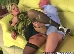 Obese granny receives pounded apropos nylons